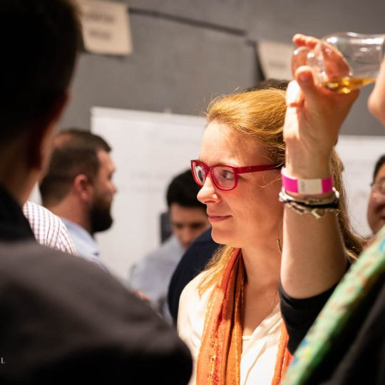 http://www.whiskyfair.com.au/wp-content/uploads/2018/08/sydney-whisky-fair-2018-may-lawrence-89-540x540.jpg